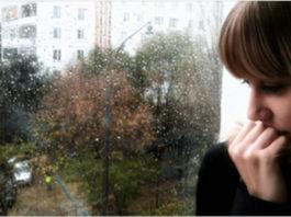 В дождливую ночь в ее дверь постучали. События, которые произошли дальше, понять сложно!