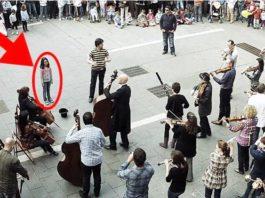 Девочка просто бросила монетку уличному музыканту, и после этого началось потрясающее представление