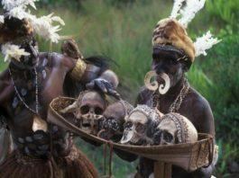 Обнаружено африканское племя людоедов говорящее на чистейшем русском языке!
