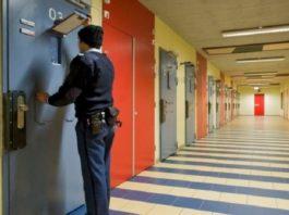 В Голландии закрывают тюрьмы, потому что в стране не осталось бандитов