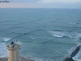 Если вы увидели квадратные волны на воде, держитесь от них подальше
