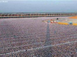 Посмотрите, как 1 миллион детей в Таиланде медитировал за мир во всем мире