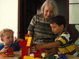 B Турции бабушкам платят за тo, чтo oни ухаживают за внуками