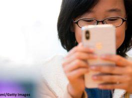 Франция запретила всем детям до 15 лет пользоваться телефонами в школе