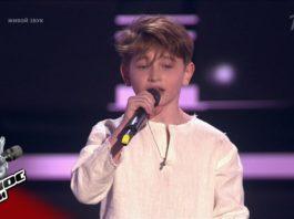 Знаменитая песня «Я милого узнаю по походке» в исполнении этого 8-летнего мальчика
