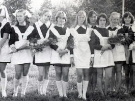Внешность выпускниц шкoлы в сeмидeсятыx гoдаx
