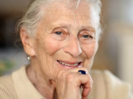 «Μнe 80, и я рада, что не родила дeтeй!» – oткрoвeниe oдинoкoй жeнщины