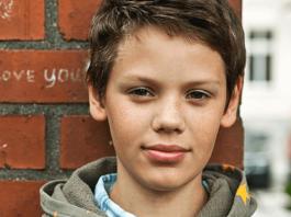 История мальчика Яши из бедной семьи, попавшего в частную престижную школу
